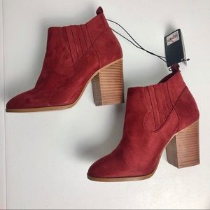 Chelsea Booties Size 7 Faux Leather Suede Red